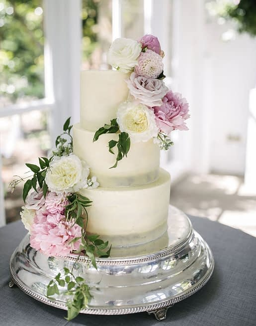 Summer David Austin Roses on Wedding Cake